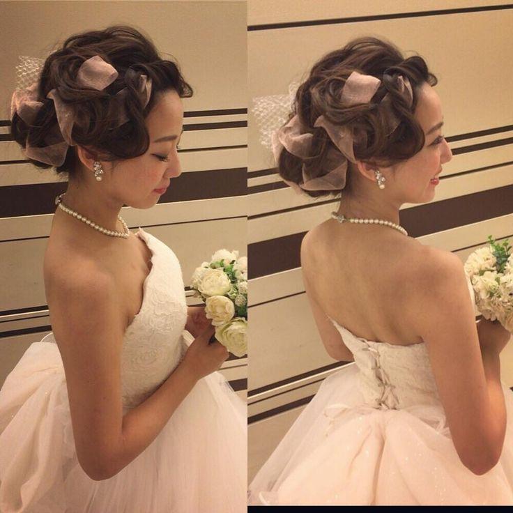 さっきのスタイルの逆サイド すこしフィンガーラインからはじめて やわらかいリボンを二種類仕込みました #撮影  #hair #hairdo #hairstylist  #hairmake  #bridalhair  #bride  #bridal  #brides  #WEDDING #weddinghair  #wedding  #ヘアセット #ヘアスタイル #ヘアメイク #ヘアアレンジ #美容師 #ウェディング #ブライダル #結婚式 #前撮り #花 #和装 #和装髪型 #フィンガーウェーブ #花嫁髪型 #洋装 #cute  #リボン #花嫁