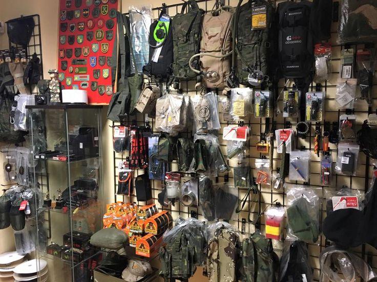Aquí os mostramos un poco de nuestra tienda física, pero también nos encontrais on line.