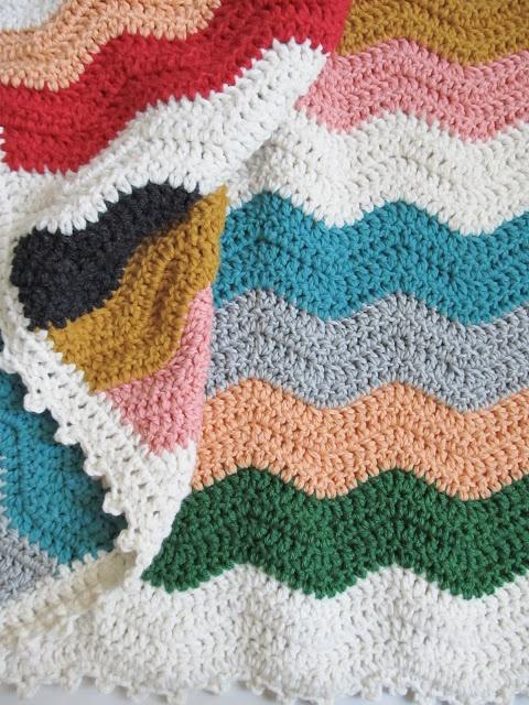 Mooie randafwerking voor ripple deken. dottie angel: wave crochet blanket