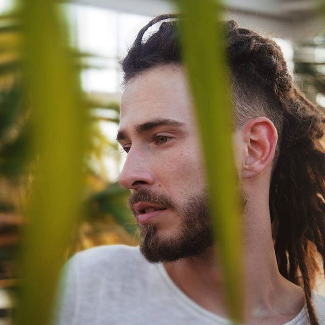 man hair style pic 25 trending dreadlocks ideas on 8834 | b84e11ea40eba50c1551e6c2b8834fd4 dreadlocks men sidecut