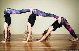 Afbeeldingsresultaat Voor Yoga Challenge 3 People 3 Person Yoga Poses Cool Yoga Poses Three Person Yoga Poses