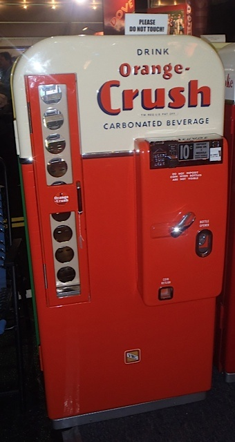 17 best images about vintage stuff things on pinterest pump pepsi and shell gas station - Machine a orange pressee ...