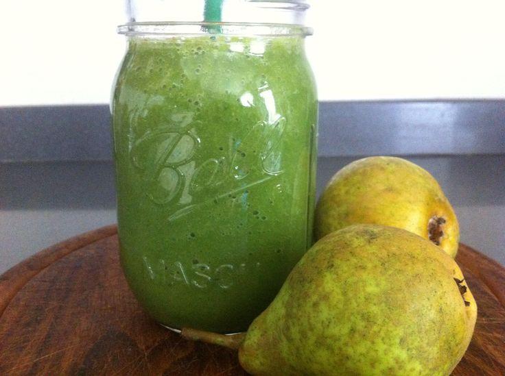 Smoothies| Groene herfstige peer smoothie #herfst - http://www.mytaste.nl/r/smoothies-groene-herfstige-peer-smoothie-herfst-13756697.html