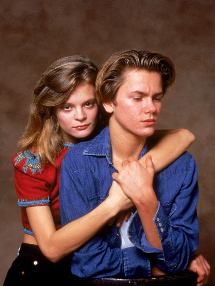 One of my favorite celebrity couples: River Phoenix and Martha Plimpton. Perfection.