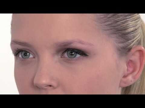 Glamour look voor een lichte huid, blond haar en blauwe ogen
