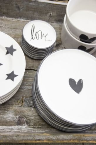 Dessert Plate 19cm White/Heart in black