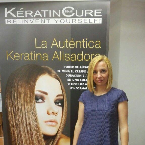 Cabello después de Keratin Cure Oro y Chocolate. El cabello sólo está secado al aire, y así estará unos 6 meses. Increible, esta Keratina si que funciona!!!!