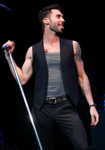 Adam Levine (Maroon 5): Music to my ears & Candy for my eyes!