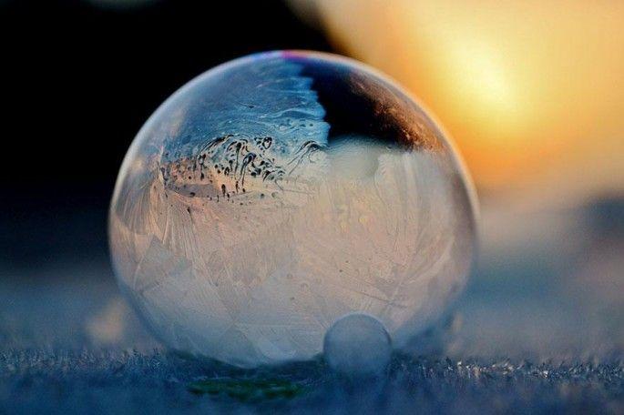 faire des bulles de savon dehors quand il fait très froid ELLES GÈLENT