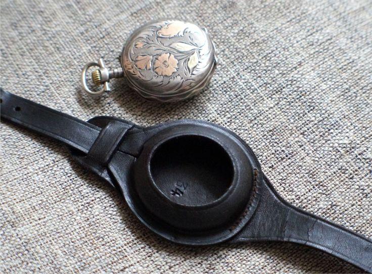 Часы серебряные наручные. Ремешок старинный кожаный для часов Нач. ХХ в.