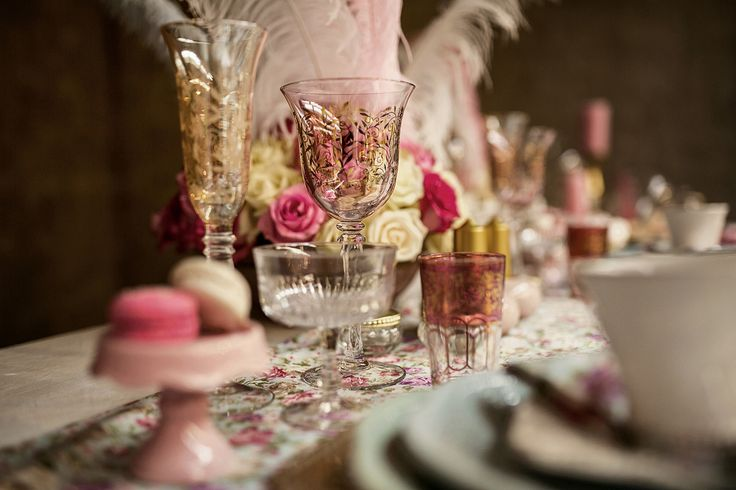 The glassware consisted of a range of delicate wine and champagne glasses (flute as well as flat). Also included was the tea glasses.