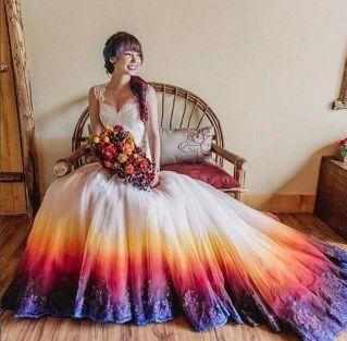 La robe de mariée tie & dye de Taylor Ann