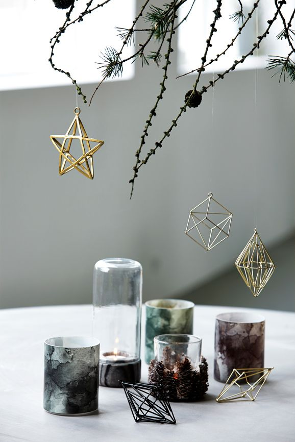 4 Christmas decorating trends: geometric ornaments.