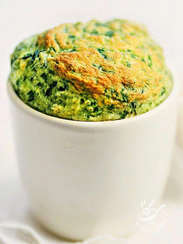 Per la buona riuscita del Soufflé di spinaci e ricotta ricordate di non aprire mai il forno e di mantenere la temperatura della cucina costante.