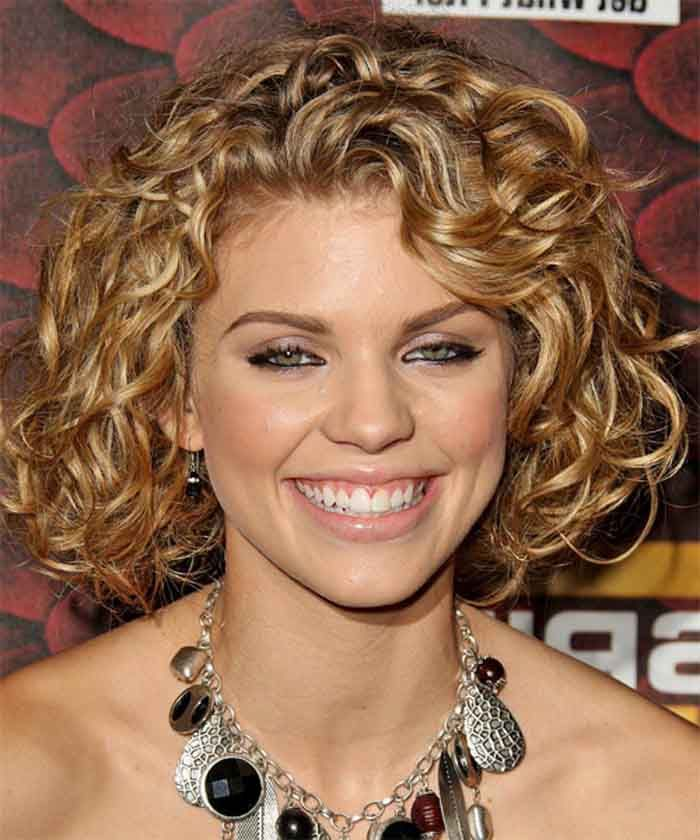 25 Best Curly Short Hairstyles For Round Faces Nails Veils
