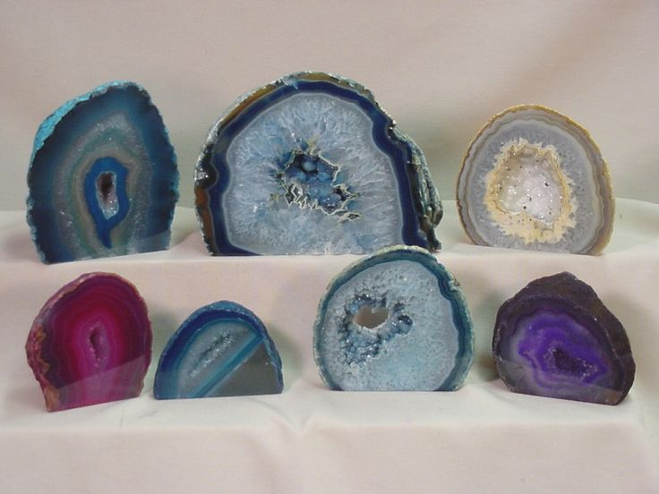 Beautiful geodes-- http://nicodeb.forums2discussions.net/t88-geode-amethyste