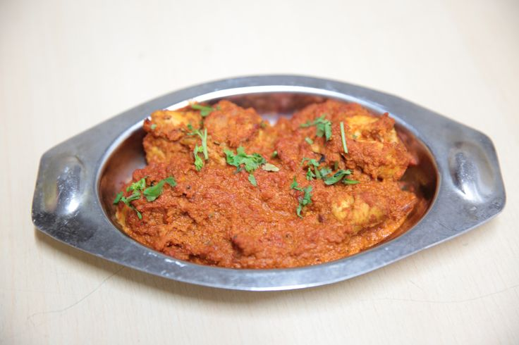 #ChickenDhangari at #PurepurKolhapur is tender chicken pieces in a creamy, spicy coconut gravy. The chicken is well marinated and is infused with the spices. Costing Rs. 175/- it is a traditionally cooked Kolhapuri delight.  #Foodistani #foodie #foodporn #foodpornography #foodtime #colorful #desi #indian #lunchtoday #Foodicious #Mumbai #FoodofMumbai #lunch #MumbaiFood #lunchout #chicken #delicious #yummy #feedfeed #eat #indianfood #eeeeeats #hungry #food #Visit #Like #comment