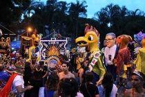 No último dia do Galinho, bloco reúne 40 mil pessoas na Asa Sul - http://noticiasembrasilia.com.br/noticias-distrito-federal-cidade-brasilia/2016/02/08/no-ultimo-dia-do-galinho-bloco-reune-40-mil-pessoas-na-asa-sul/