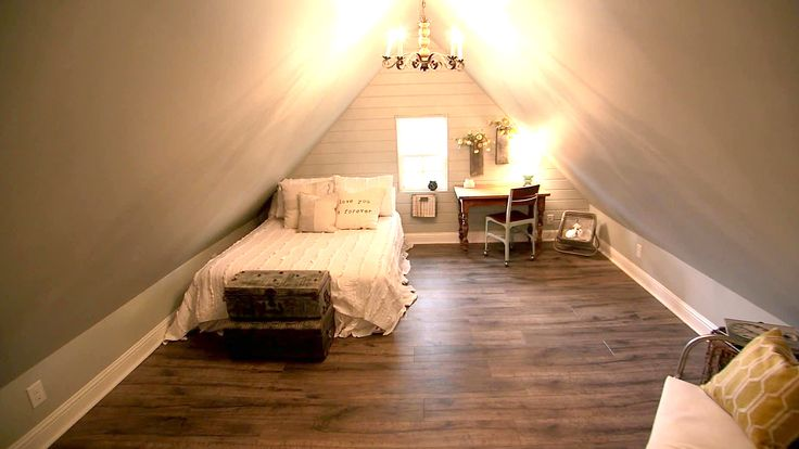 127 best images about frog ideas on pinterest attic for Joanna gaines bedroom designs