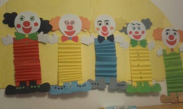 výrobky pětiletých dětí - skládání papíru