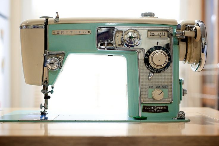 17 Best images about Retro Sewing Machines on Pinterest ...