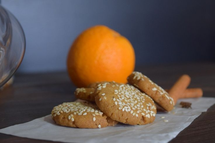 Olive oil cookies with spices