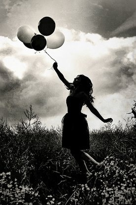 Who doesnt love balloon pictures? I need to get some balloons.    ; lara jade photography