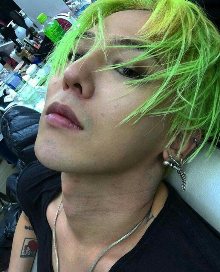 Epingle Par Sarah Ellison Sur G Dragon Cheveux Verts G Dragon Kpop