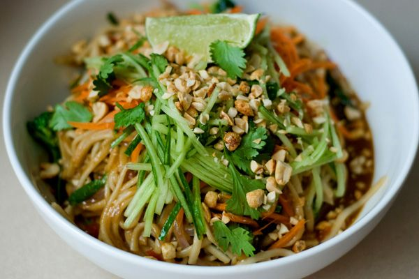 Tonight's Dinner: Thai peanut noodle bowl recipe