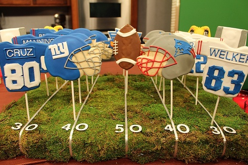 Cute ideas and more FREE Super Bowl printables