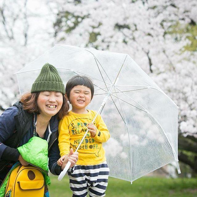 【hirophoto_nagoya】さんのInstagramをピンしています。 《桜と記念撮影 寒さ厳しい時期ですが、あともう少しで桜の季節もやってきます^ ^  今年も桜の時期の撮影のご予約承っております^ ^ 結婚式前撮りから、家族写真、卒業、入学記念まで、この時期しか撮れない桜とともに、素敵な、お写真を残しませんか? ※おかげさまで、毎年この時期の撮影は大変ご好評いただいており、すでに予約で埋まっている日もございますので、お早めのご予約をオススメしております。 お問い合わせはHPか、DMまでお願いします(^^) mail:info@hirophoto.me  #桜#さくら#桜と#桜前撮り#桜記念撮影#卒業式#卒業写真#卒業アルバム#卒業記念撮影  #記念日撮影#写真#前撮り #ラブグラフ#ロケーションフォト #前撮り#Japan#sakura #Japanesephoto#出張撮影カメラマン#出張撮影#出張カメラマン#ウェディングフォトグラファー#フォトグラファー#カメラマン#familyphoto》