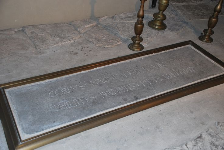 Una delle menti più geniali del Rinascimento fu Filippo Brunelleschi. I suoi resti sono custoditi in Santa Reparata.