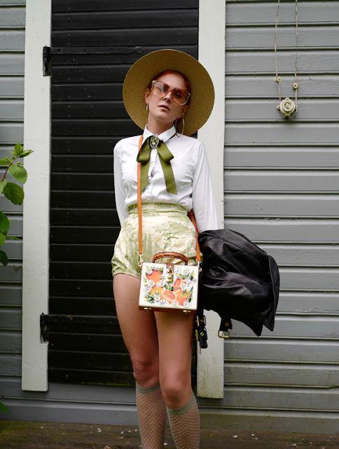 The wardrobe of Ms. B: Green & orange kind of mood