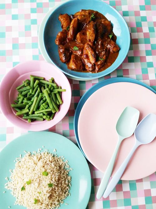Sinds vorig jaar staat 'écht Indisch leren koken' op mijn To Do lijstje. Alleen vind ik het bereiden van een uitgebreide Indische rijsttafel nog een grote uitdaging om goed te organiser…