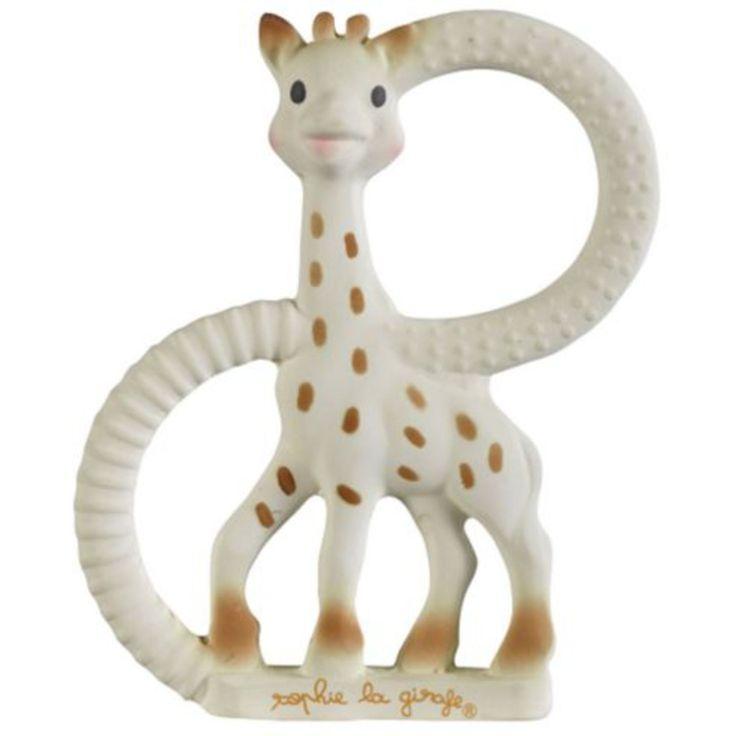 Sophie The Giraffe Bitring Extra Mjuk är en säker bitring tillverkad av samma naturliga material som den populära Sofie the Giraffe! Den mjuka bitringen passar perfekt för barn som har fått sina första tänder. Giraffen är målad med färgpigment som har tagits från maten. <br><br>Rekommenderad ålder: Från 0 månader.<br><br>Material: Naturgummi, färgpigment från mat.<br><br><b>Obs!</b> Doppa ej bitleksaken i vatten, koka eller sterilisera – Förvara torrt då Sophie inte används!
