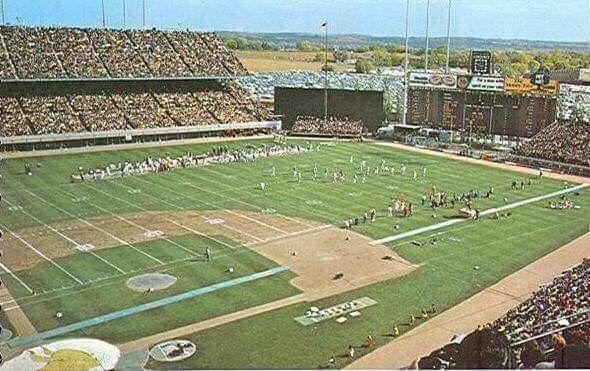 Metropolitan Stadium (Minnesota). NFL Football.