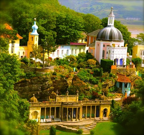 Portmeirion    Christmas bargains in Wales