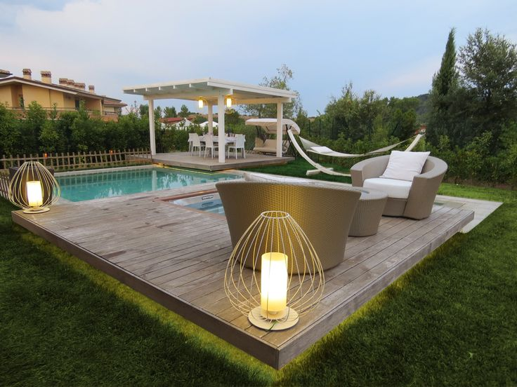 CELL | floor lamp | outdoor  #interiorlightingdesign #interiorlightingdesigner #lightingdesignmodern #interiorlightingdesignerdecoridea #interiorlightingideas #interiorlightingfixtures #karman #madeinitaly