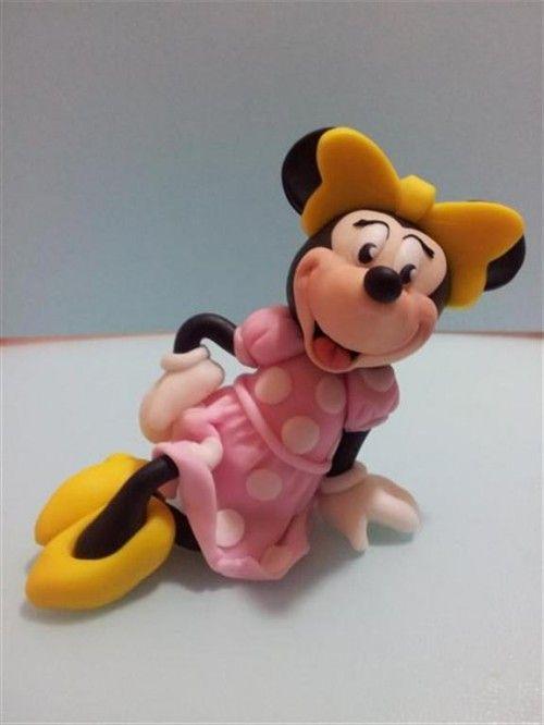 """Minnie si presenta in una veste zuccherosa: il tutorial di """"Officine del modelling"""""""