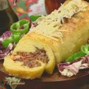 Receita de Rocambole de Mandioca com Carne Seca