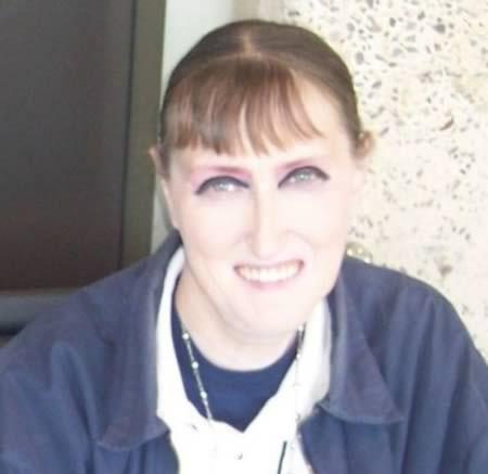 11 Worst Makeup Disasters (makeup fails, ugly makeup) - ODDEE