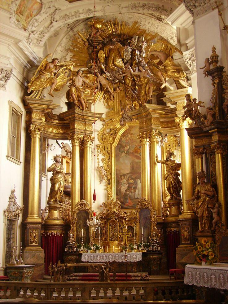 Bad_Staffelstein_Klosterkirche_Banz_Hochaltar.jpg (1536×2048)
