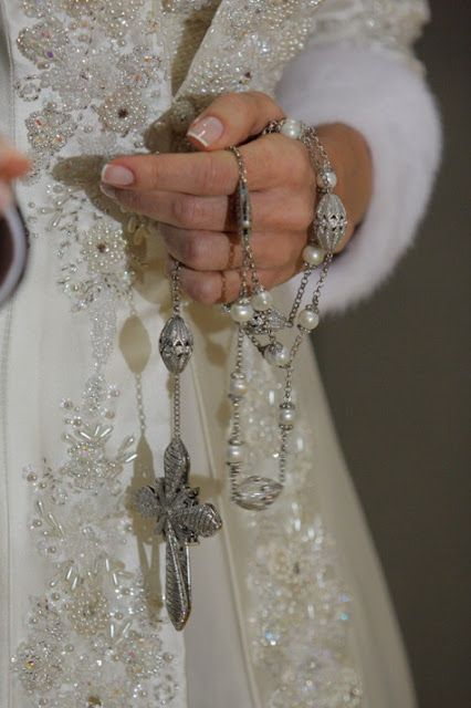Beautiful Rosary. Please note this is not worn as a necklace!