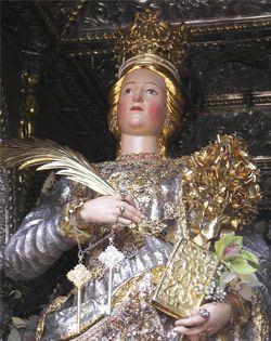Das Fest der heiligen Barbara in Paternò auf Sizilien http://www.italien-mag.de/2014/12/das-fest-der-heiligen-barbara-in.html