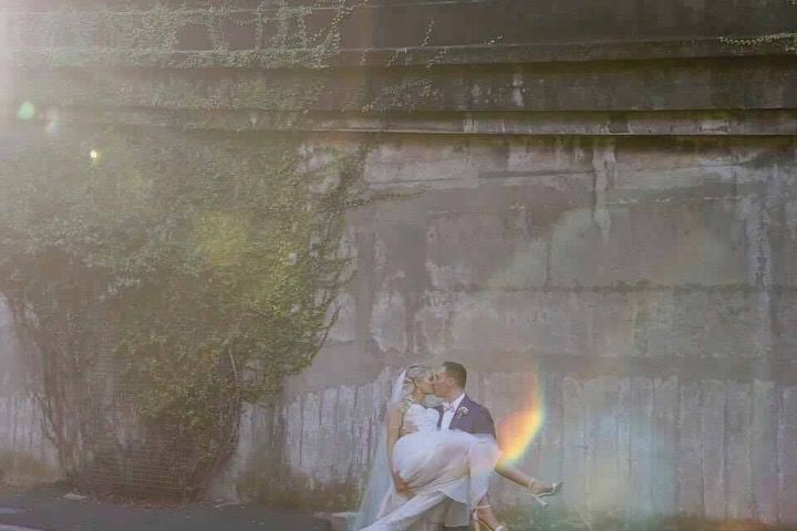 Congratulations to our bride and groom Jess and Nick on a beautiful wedding. Instyle Bridal, Jack Sullivan, Keeley, lace, Ivory and champagne, wedding dress, Australian designer, couture, pretty, sydney, garden, James billing photography