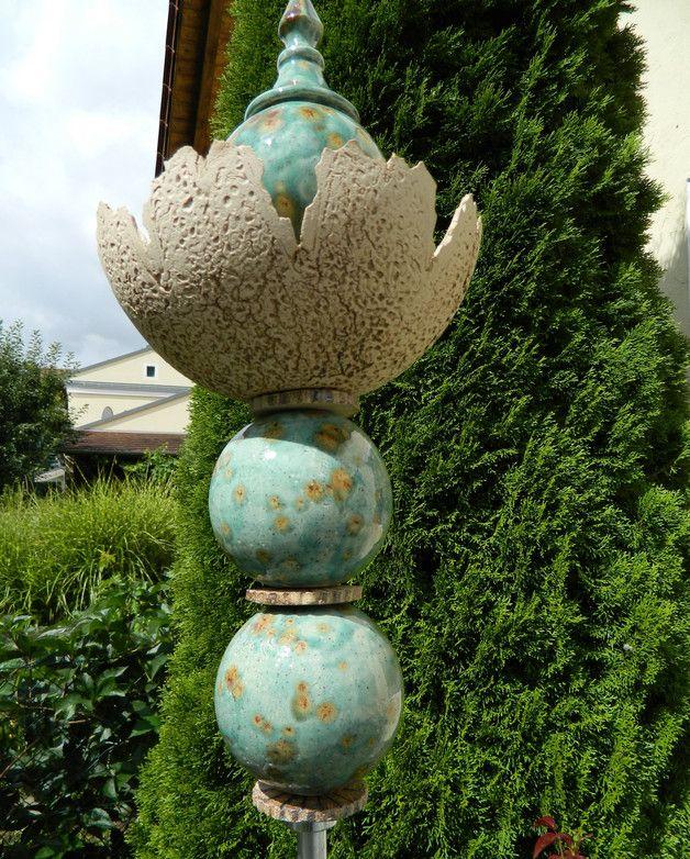 Gartendekoration Gartenkeramik Gartenstele Mit Pflanzschale Ein Designerstuck Von Floramik Bei Dawanda Gartenkeramik Gartendekoration Gartenskulptur