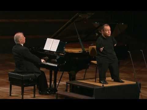 Schubert - Der Leiermann - Thomas Quasthoff / Daniel Barenboim - simply amazing.