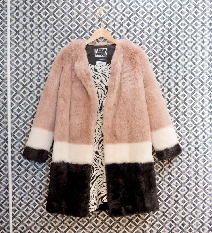 Robe Ba&sh et manteau fausse fourrure Maison Scotch - collection AH15 sur LaBrandBoutique.fr