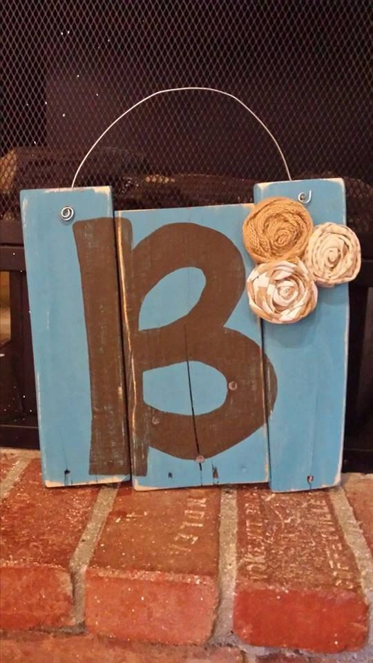 B initial door hanger wreath alternative pallet sign for Initial decorations for home