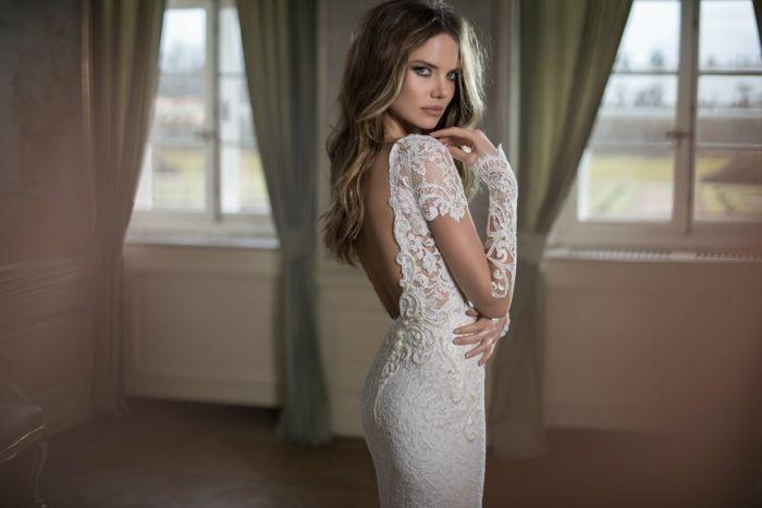 Diese fleißige Arbeit hat dem Label viele Preise und einen guten Ruf gebracht. Die Hochzeitskleider von Berta Bridal sind nicht nur atemberaubend, sondern